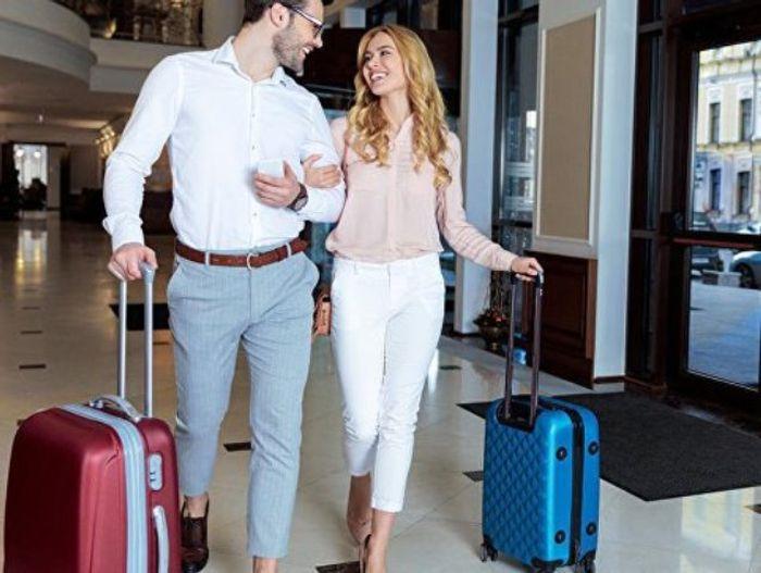 Романтическим парочкам возможно будет отказано в совместном проживании, если они не предъявят декларацию о совместном проживании. Фото