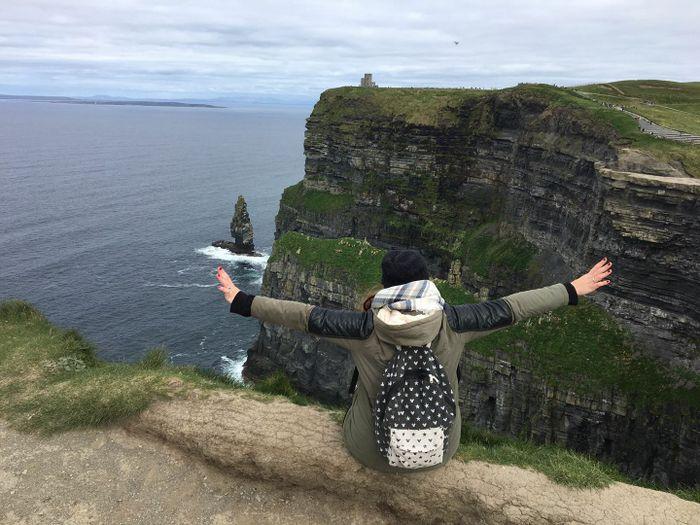 Siendo valiente en los Cliff of Moher