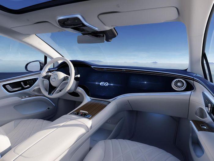 Роскошный интерьер электрического седана Mercedes-Benz EQS © media.daimler.com