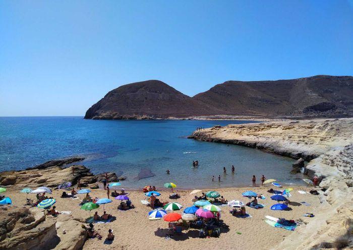 Isleta del Moro en el Parque Natural de Cabo de Gata.