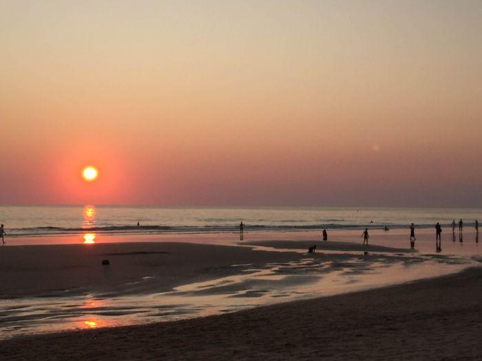 Atardecer en la playa de la Barrosa.