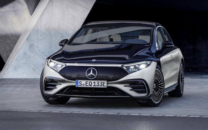 Чувственно и прогрессивно: Mercedes-Benz официально представил EQS © media.daimler.com