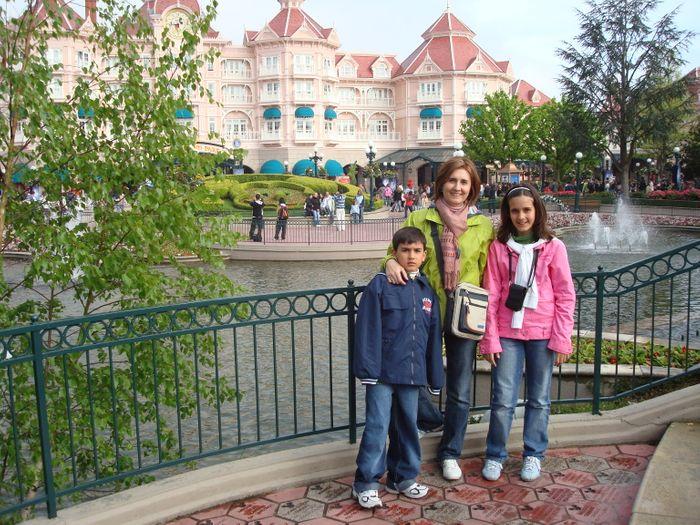 Entrada al Parque Disneyland.