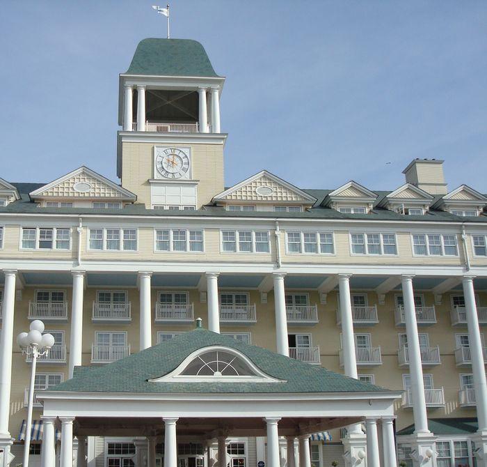 Hotel New Port Bay Club
