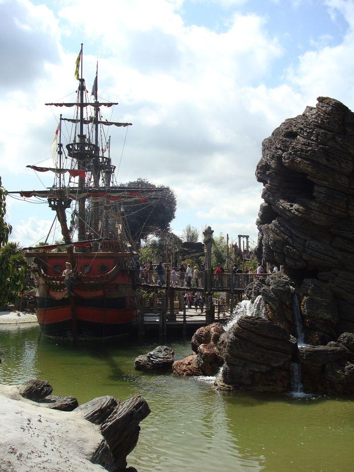 El barco Capitán Jack Sparrow.