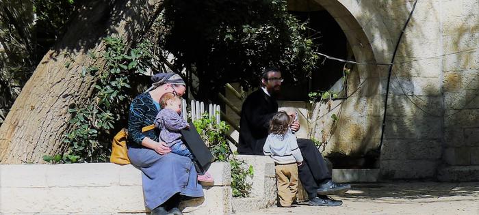En Jerusalén, las escenas de la vida cotidiana tienen un encanto muy especial