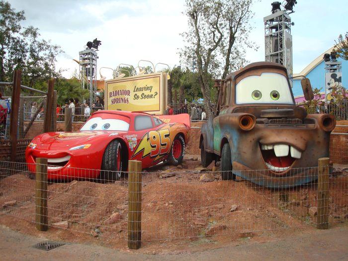 Personajes muy peculiares de la película Cars.